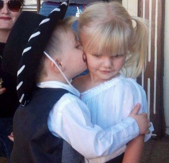 Kisses from mini Doc